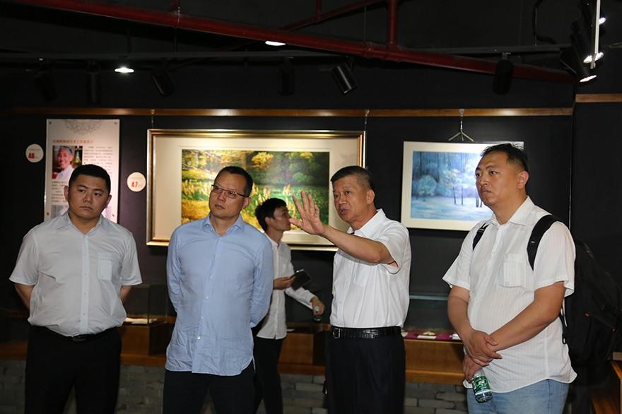 北京观唐文化艺术有限公司董事长李保刚莅临中丝园参观考察